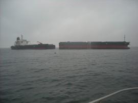 白水丸、座礁船解体及び曳航作業