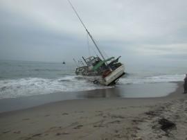 座礁船救出作業
